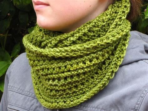 free knitted cowl patterns emerald isle cowl free pattern knit cowls