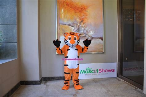 17 best images about schtroumpfs mascotte costume adulte schtroumpfs costume www mascotshows