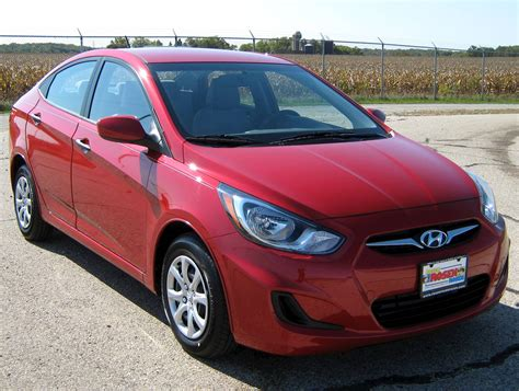 2012 Hyundai Accent Mpg by 2012 Hyundai Accent Se 4dr Hatchback 1 6l Auto