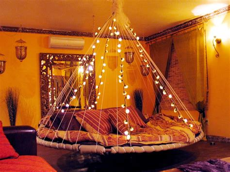 cool lights for your bedroom floating beds