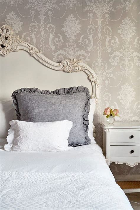 shabby chic bedroom wallpaper 25 best ideas about shabby chic wallpaper on