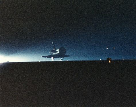 what side do sts go on restart shuttle fwd the high altitude mission of sts 48