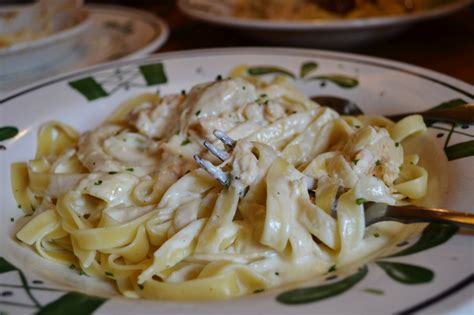 chicken alfredo from olive garden 0