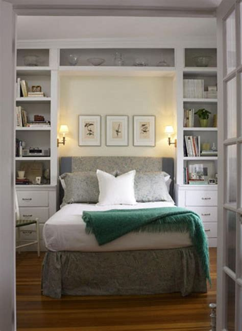 compact bedroom design best 25 small bedrooms ideas on decorating