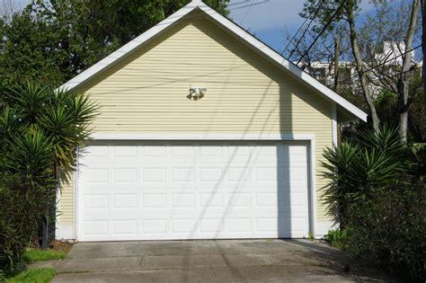 cedar park overhead door cedar park tx garage door repair chameleon overhead doors
