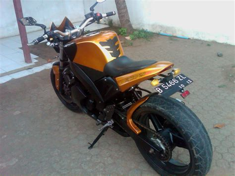 Modif Vespa Racing Harian by Tiger Modifikasi Streetfighter Aangtea S