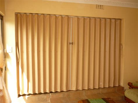 63 Panel Curtains by Folding Doors Venetian Blind Centre
