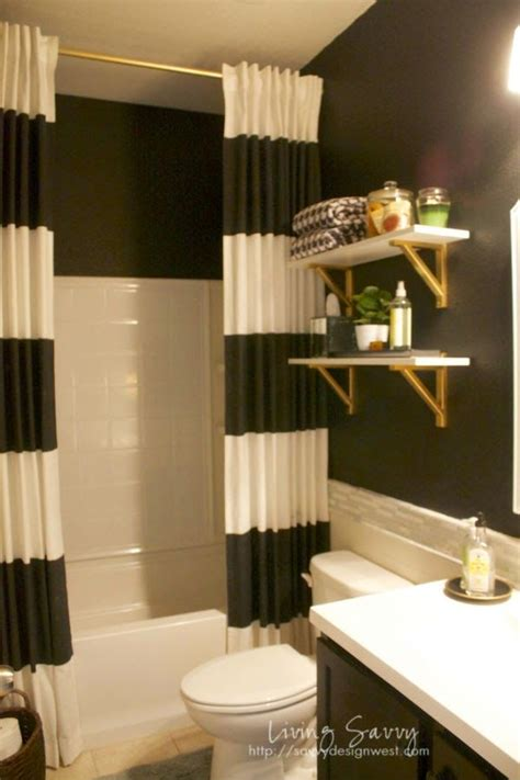 Black And White Themed Bathroom by 17 Best Ideas About Black White Bathrooms On