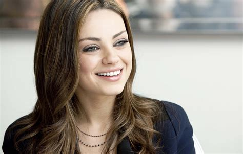 mila kunis actress most cute wallpapers in hd