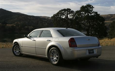 Free Car Wallpaper 300 Limited by Chrysler 300 Touring Limited 300c Srt8 Free