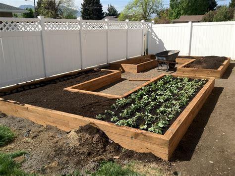 a vegetable garden box 14 ways to start vegetable gardening in boxes