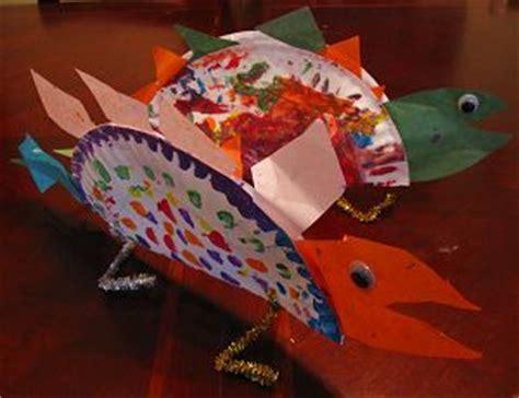 stegosaurus paper plate craft 16 best images about dinosaurussen on