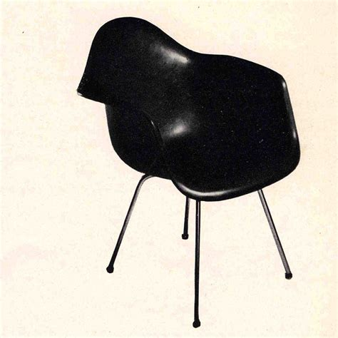 Eames Chair History by The History Of The Eames Molded Plastic Chairs Eames Office