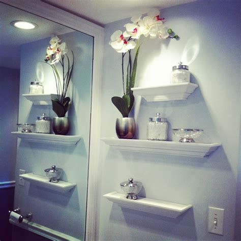 bathroom wall decorating ideas 1000 ideas about floating shelves bathroom on