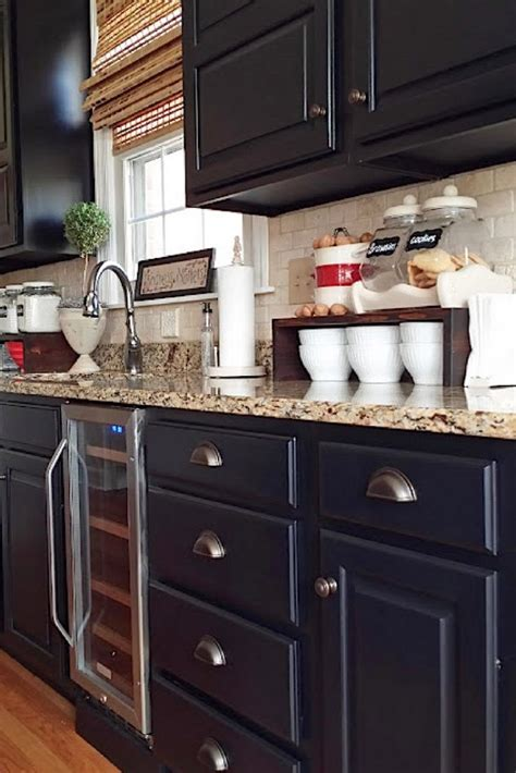 how to paint kitchen cabinets black best 25 black kitchen cabinets ideas on gold