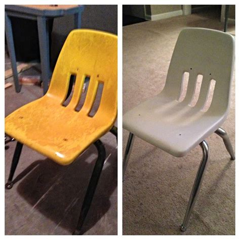spray painting vinyl furniture 25 best ideas about painting plastic chairs on