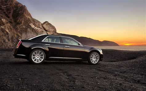 Free Car Wallpaper 300 Limited by Chrysler 300 Wallpaper Widescreen Lawandicome Co