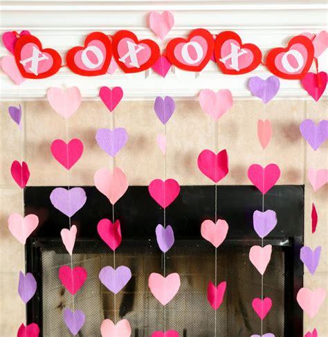 a kailo chic diy it crepe paper decorations
