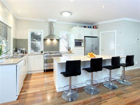 contemporary australian kitchen design 171 modern island kitchen design using floorboards kitchen