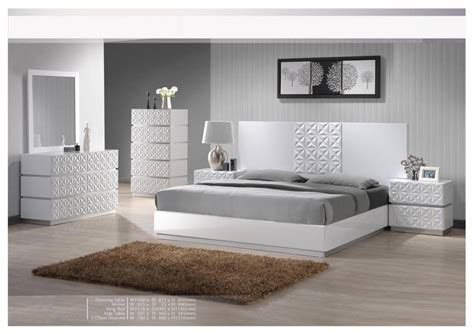 glossy bedroom furniture glossy bedroom furniture rooms