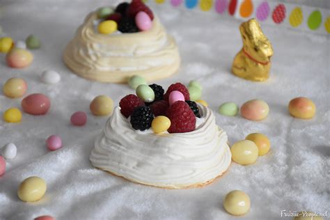 recette nid meringu 233 fruits rouges comme dessert de p 226 ques
