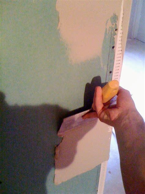 how to mud a corner bead how to coat drywall corner bead
