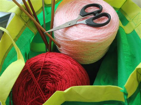 what do you need to knit how to gather the things you need to start knitting 5 steps