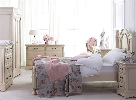 vintage shabby chic bedroom furniture shabby chic bedroom ideas for a vintage bedroom look