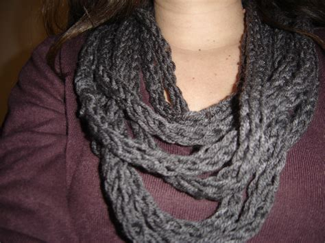 finger knitting scarf finger knit scarves sewing projects burdastyle