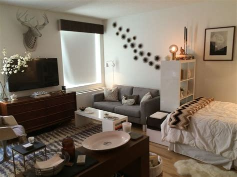 small studio apartment 25 best ideas about studio apartment organization on
