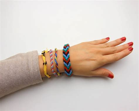 how to make string jewelry 4 ways to make a string bracelet wikihow
