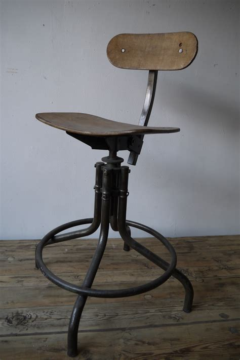 chaise haute atelier industrielle bienaise metal et bois