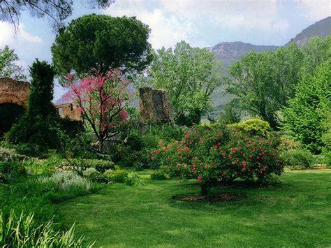 Der Garten Ninfa by Der Garten Ninfa Natur Und Landschaft Reisetipps