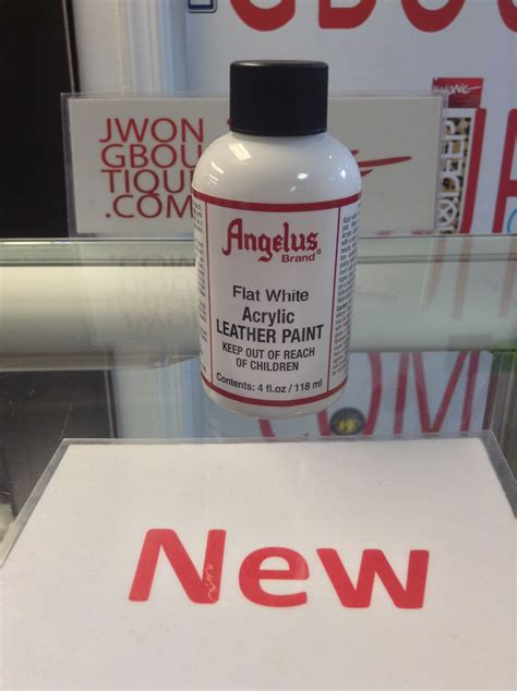 angelus paint vs angelus flat white acrylic leather paint 4 fl oz jwong