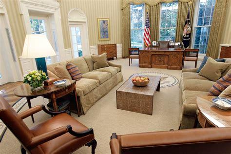 oval office decor obama photos photos the white house s oval office d 233 cor
