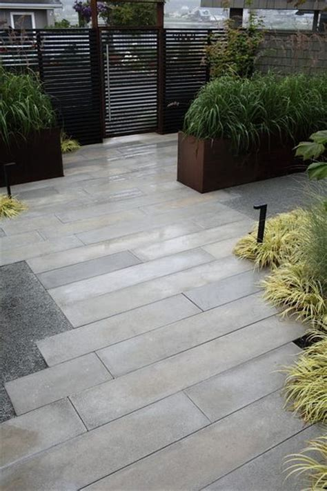 outdoor patio pavers 25 best ideas about driveway pavers on paver