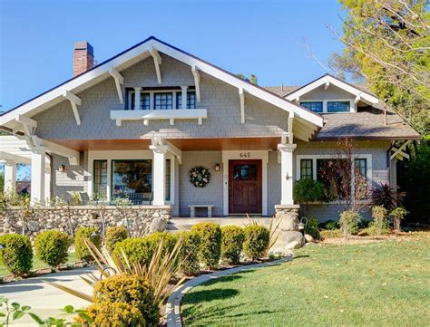 craftsman houses a 1908 craftsman with gorgeous woodwork in pasadena