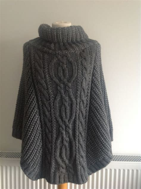 knitted ponchos front chunky knit poncho my wannabe style