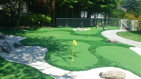 backyard mini golf minigolf in your backyard precision greens