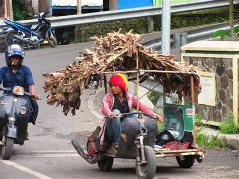 Modifikasi Motor Vespa Indonesia by Kumpulan Modifikasi Vespa Quot Gila Quot Ini Hanya Ada Di Indonesia