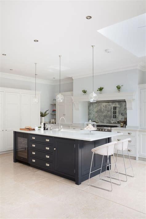 luxury kitchen best 25 luxury kitchens ideas on luxury