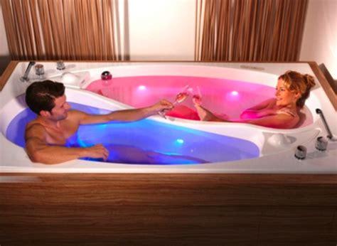 Bathroom Tub Ideas badewanne f 252 r zwei gebaut die yin yang badewanne von