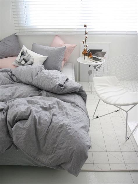 pink and grey bed sets best 25 gray bedding ideas on gray bed