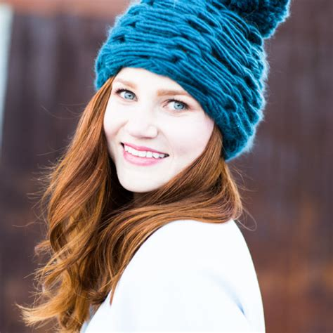 arm knit a hat knitting without needles get arm knitting tutorial