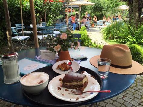 Der Garten Cafe by Das Blaue Haus Aussen Bild Cafe Blaues Haus