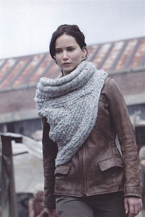 katniss knitted cowl pattern must make this katniss cowl found a pattern here http