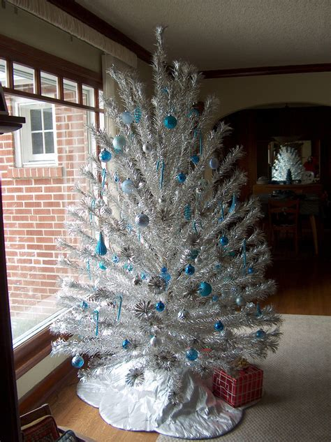 new aluminum tree peco aluminum tree my favorite decorations for