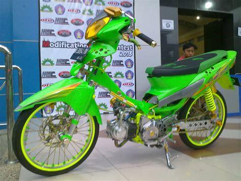 Gambar Motor Supra by Modifikasi Supra X 125 Modifikasi Motor Kawasaki Honda