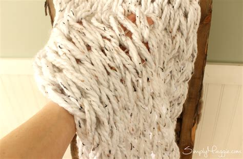 simply maggie arm knitting knit a chunky blanket in 1 hour with arm knitting
