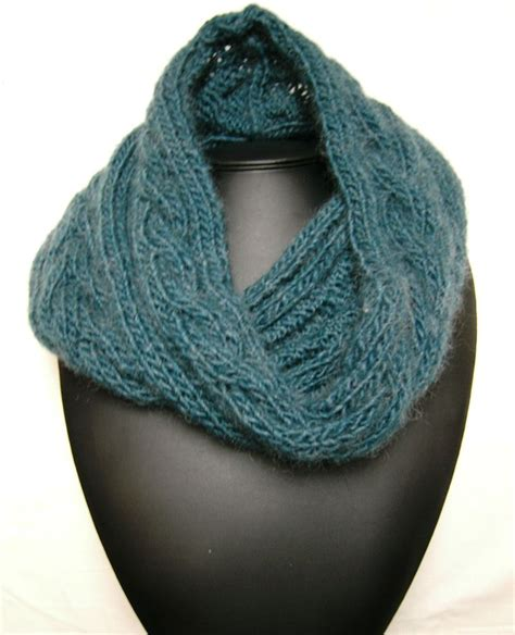 free knitted cowl patterns cables knitted cowl with cables tricot